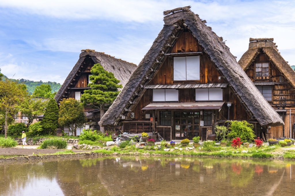Visit Shirakawa-go from Kanazawa Private Package Tour