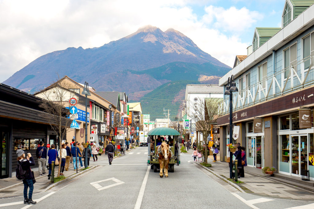 Yufuin Day Trip Yufuin Shopping Street Private Package Tour