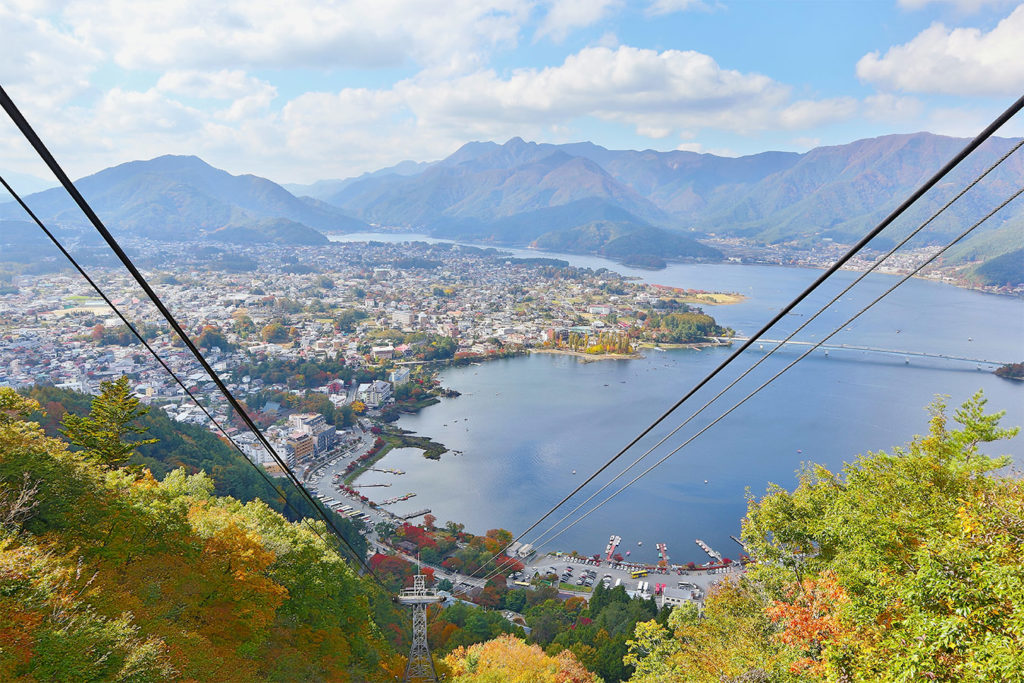 Kachi Kachi Ropeway Autumn in Kawaguchiko Private Package Tour