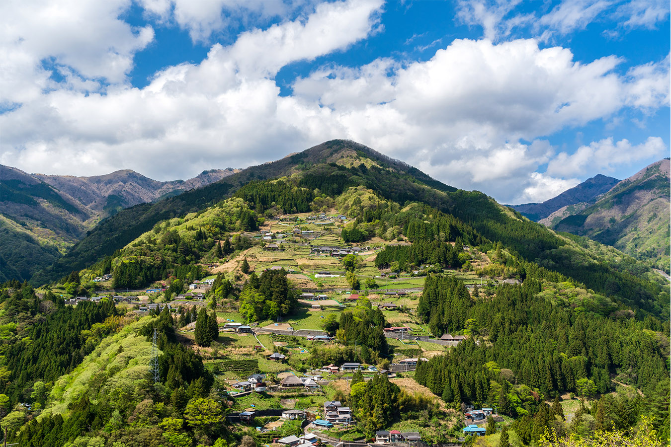 Explore Iya Valley area Private Package Tour