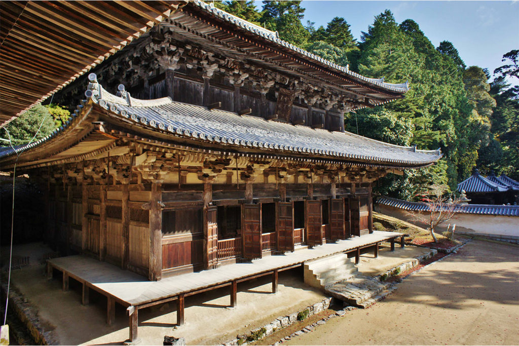Engyoji Temple and Ropeway Discover Himeji Castle Private Package Tour